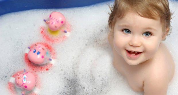 baby-child-in-bath