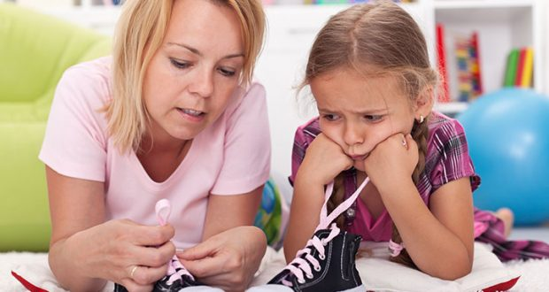 Teach-Your-Child-To-Tie-Shoelaces