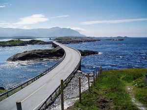 atlantic_ocean_road_in_norway