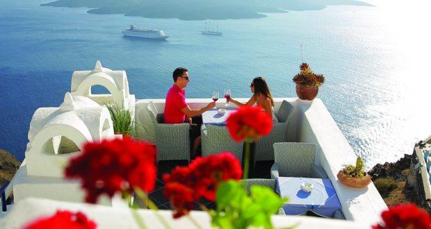 romantic-sunset-in-santorini-aegean-sea-during-holidays-in-greece
