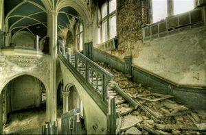 Castle-Miranda-Celles-Belgium.-Photo-by-David-Herreman