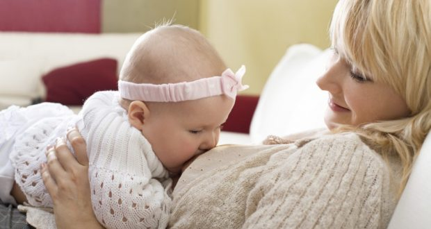 baby_breast_feeding-e1415141218998