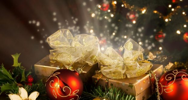 christmas-decorations-thread-needles-gifts-star-tree-holiday-new-year-christmas