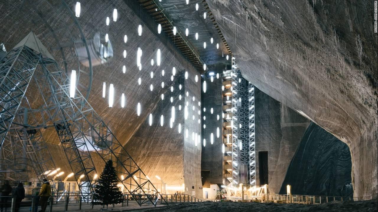 To 2000 ετών αλατωρυχείο «Salina Turda» στην Τρανσυλβανία … παράξενο αλλά και μαγευτικό «τουριστικό αξιοθέατο»!!