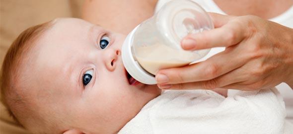 Xρήσιμες συμβουλές για το τάϊσμα του μωρού με μπιμπερό
