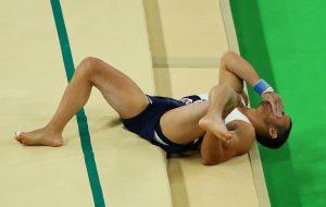 #15 Ο άτυχος Γάλλος Σαμίρ Αΐτ Σαΐντ που έσπασε το πόδι του στην ενόργανη γυμναστική. Τώρα όμως ανάρρωσε και είναι έτοιμος για το χρυσό στο Τόκυο όπως δήλωσε.