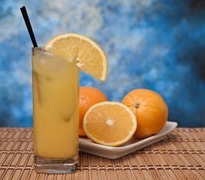 best-low-calorie-cocktails-224643454-aug-20-2012-1-600x526