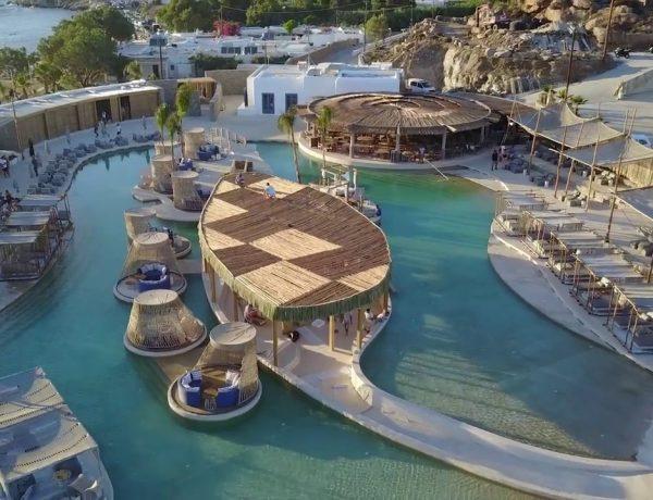 πισίνα με θαλασσινό νερό