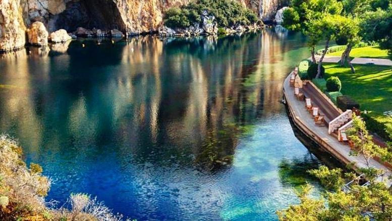 Λίμνη Βουλιαγμένης, η μαγεία της φύσης